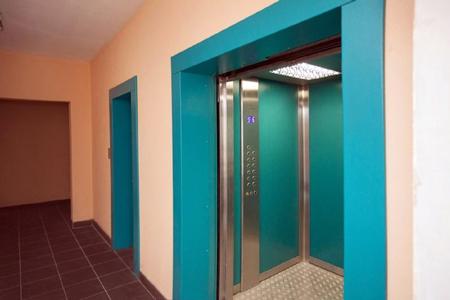 Новости: Когда вАлматы заменят старые лифты