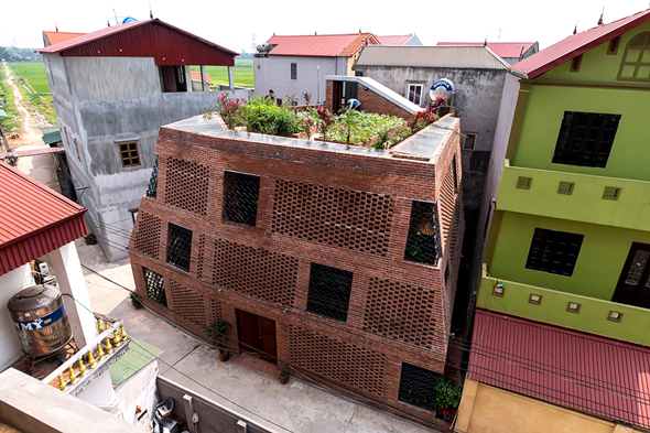 ArchDaily назвал лучшие здания 2018 года - Дом Brick Cave (Донгань, Вьетнам)
