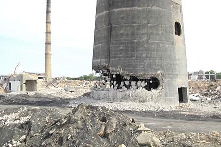 Новости: В Шымкенте может рухнуть 70-метровая труба свинцового завода