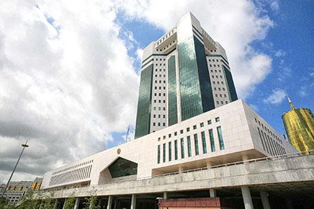 Новости: Правительство Казахстана впрогнозе на2016 год изменилокурстенге
