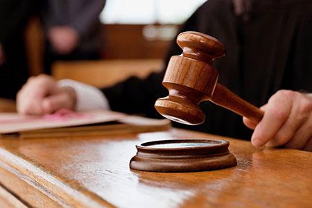 Новости: Судебные исполнители незаконно забирали жильё должников