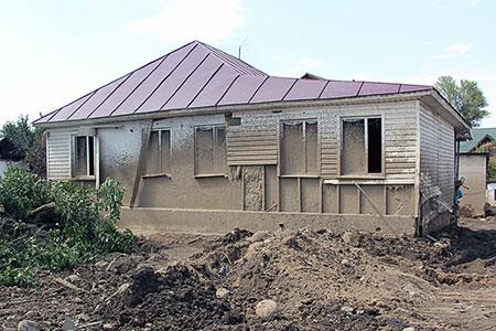 Новости: Началась выплата компенсаций пострадавшим от селя