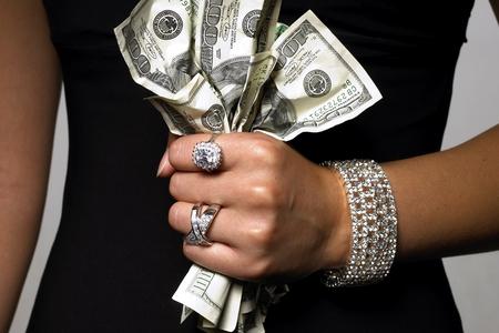 Новости: Доверчивые клиенты БВУ потеряли миллионы