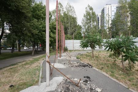 Новости: Алматинцы отстаивают сквер напр. Гагарина