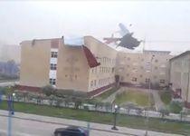 Новости: В Астане со школы ветром сорвало кровлю (видео)