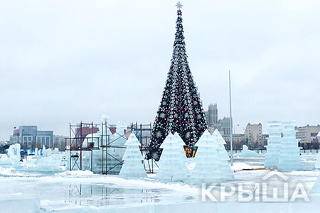 Новости: Самый большой ледяной городок Астаны тает наглазах