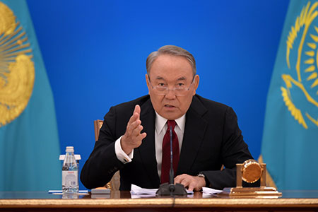 Новости: Назарбаев отклонил идею включения в«7-20-25» казахстанцевсжильём
