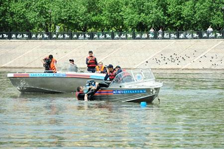 Новости: В Астане купальщики не хотят слушать спасателей