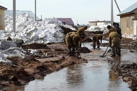 Новости: Жители сёл спасаются от воды бегством