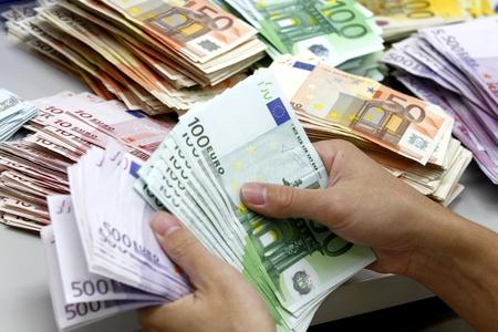 Новости: С начала года евро сильно подешевел