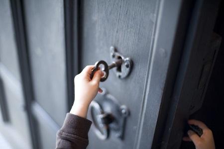 Новости: ВНур-Султане женщина обманывала детей иобворовывала квартиры
