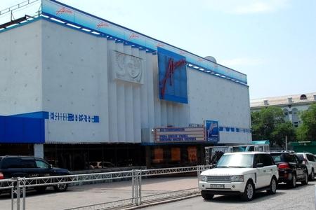 Новости: К кинотеатру «Арман» пристраивают закусочную