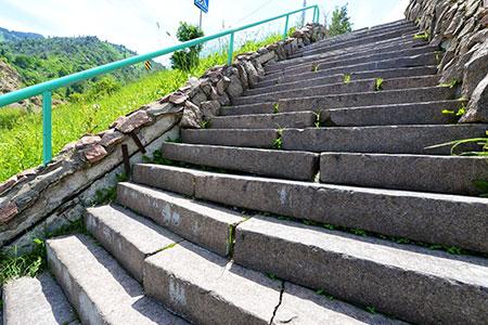 Новости: На «Медеу» реконструируют лестницу здоровья