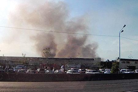 Новости: Названы причины затянувшегося тушения пожара набарахолке