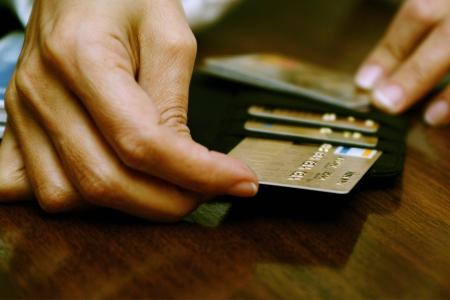 Новости: Более половины казахстанских заёмщиков скрываются отуплатыкредитов