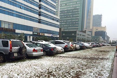 Новости: Парковка автомобилей возле домов может стать платной