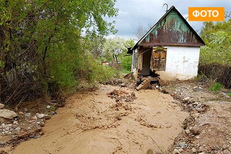 Новости: В Алматинской области паводки смывают дачи