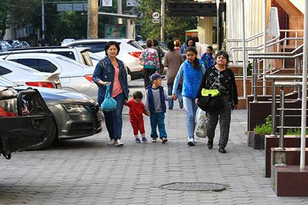 Новости: Байбек поручил снести пристройки ивернуть тротуары