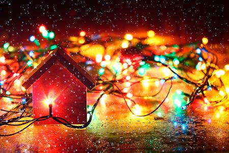 Новости: Как безопасно украсить дом к Новому году