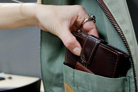Новости: В Астане задержали подозреваемых в карманных кражах