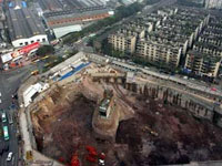 Новости: Строители снесли домик упрямой китаянки