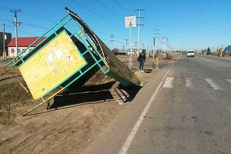 Новости: Регионы Казахстана тоже пострадали от ветра