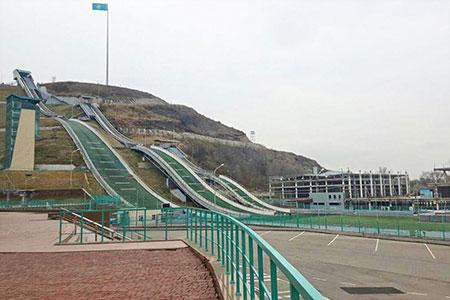 Новости: Власти Алматы три года не могут расплатиться застроительство лыжных трамплинов