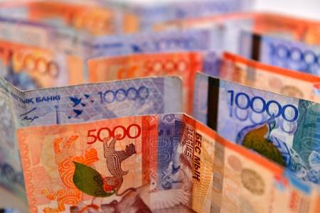 Новости: ВРКназвали фамилии 100 крупных должников поналогам