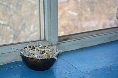 Новости: Что делать, если вподъезде курят илиоставляют мусор
