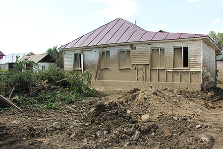 Новости: После селя почти 500 домов нуждаются в ремонте
