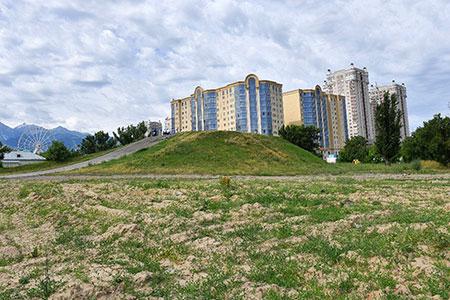 Новости: Пустырь возле ТРЦ на Розыбакиева вернули государству
