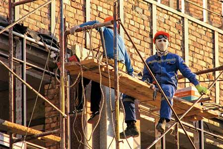 Новости: На стройплощадках работают стоматологи и педагоги