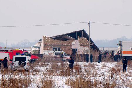 Новости: ДЧС Алматы: самолёт Bek Air упал напустой дом
