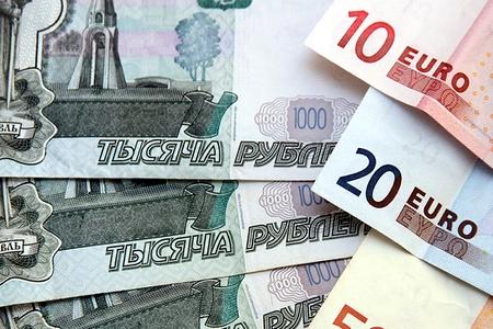Новости: Рубль обогнал евро по популярности