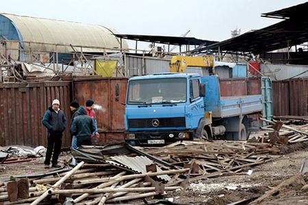 Новости: Алматы: торговцы покидают рынок «Евразия»