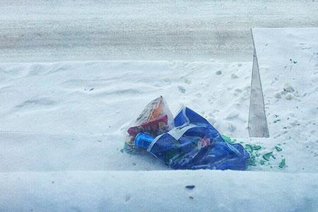 Новости: ВАстане любителя выбрасывать мусор сбалкона оштрафовали