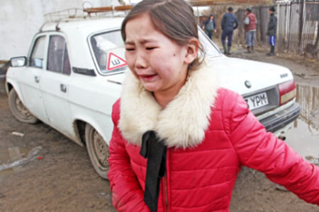 Новости: Девочке из Актобе, чьё жильё  разрушил паводок, бизнесменподарит дом