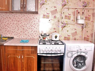 1-комнатная квартира, 33 м², 2/5 эт. посуточно, Интернациональная 59 за 4 000 ₸ в Петропавловске — фото 4