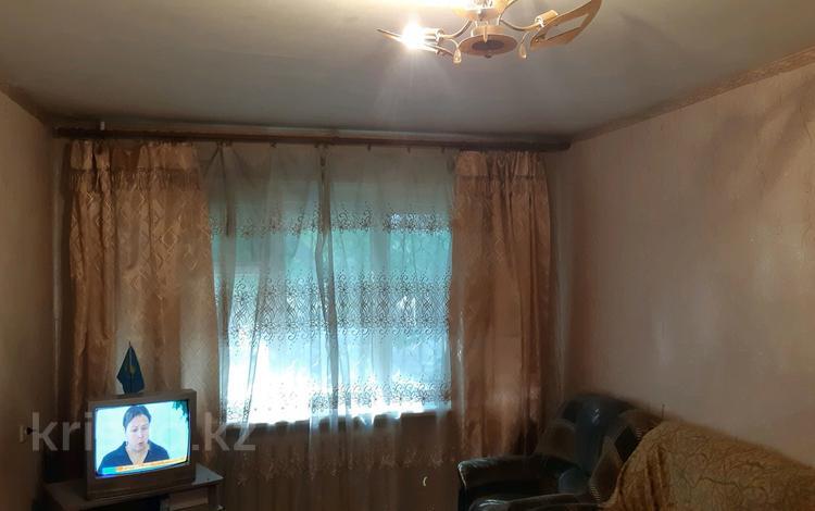 2-комнатная квартира, 44 м², 1/5 этаж, Муканова 26 за 9.8 млн 〒 в Караганде, Казыбек би р-н