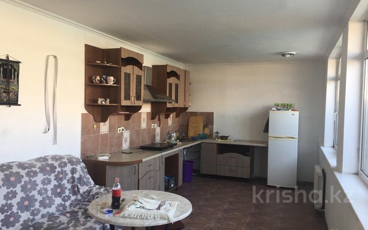 5-комнатный дом помесячно, 120 м², 4 сот., Кулымбетова 11 за 150 000 〒 в Алматы, Алмалинский р-н