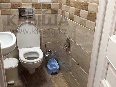 4-комнатная квартира, 160 м², 2/8 эт., Мирас за ~ 99 млн ₸ в Алматы, Бостандыкский р-н — фото 10