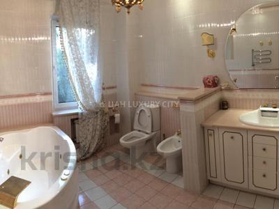 3-комнатная квартира, 120 м², 2/4 эт. помесячно, Микрорайон Ботанический Сад 1 за 500 000 ₸ в Алматы, Бостандыкский р-н — фото 11
