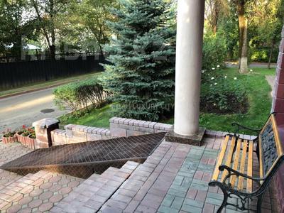 3-комнатная квартира, 120 м², 2/4 эт. помесячно, Микрорайон Ботанический Сад 1 за 500 000 ₸ в Алматы, Бостандыкский р-н — фото 19