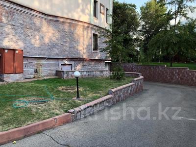 3-комнатная квартира, 120 м², 2/4 эт. помесячно, Микрорайон Ботанический Сад 1 за 500 000 ₸ в Алматы, Бостандыкский р-н — фото 13