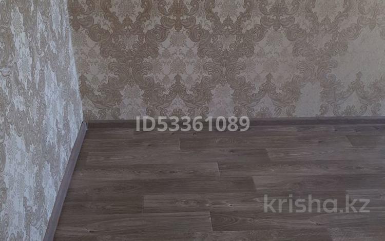 3-комнатная квартира, 64 м², 3 этаж, Аль-Фарабийский район — Таукехана и Адырбекова за 17 млн 〒 в Шымкенте, Аль-Фарабийский р-н