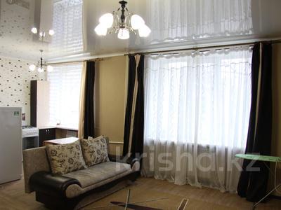 1-комнатная квартира, 39 м², 1/4 эт. посуточно, Конституции 16 — Мира за 5 000 ₸ в Петропавловске — фото 3