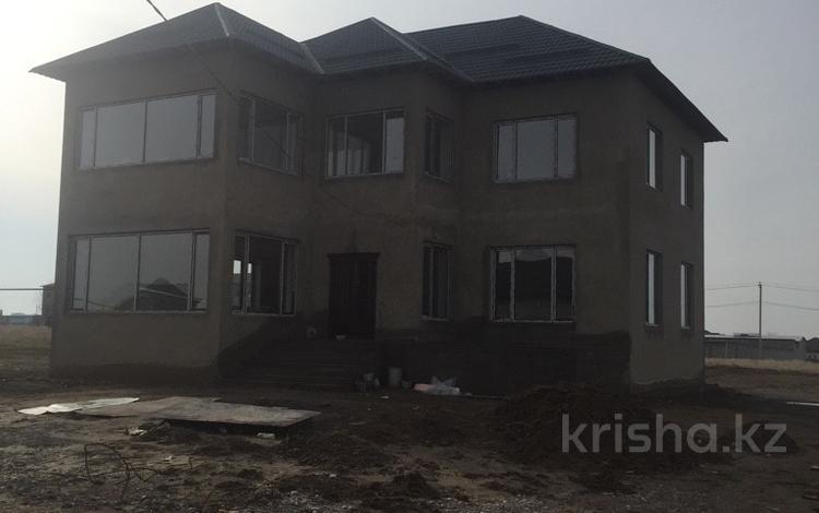 8-комнатный дом, 290 м², 8.75 сот., ул. Жасталап — ул. Акбота за 38 млн ₸ в Шымкенте, Каратауский р-н