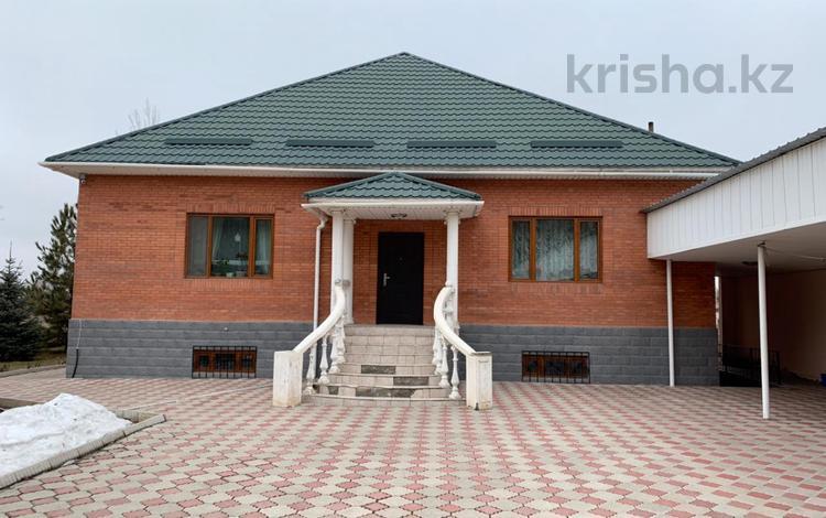 5-комнатный дом, 300 м², 22 сот., Жандосова 3А за 50 млн ₸ в Бирлике