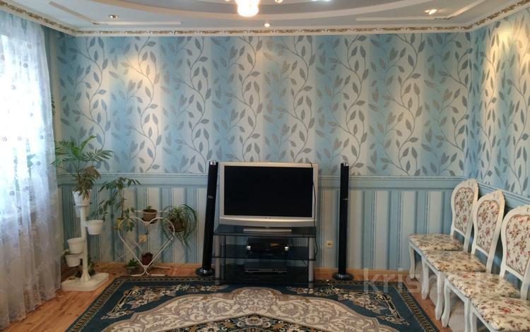 3-комнатная квартира, 98 м², 3/3 эт., Маметовой 81 за 8 млн ₸ в Уральске