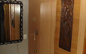 1-комнатная квартира, 40 м² по часам, мкр Аксай-4 70 за 500 〒 в Алматы, Ауэзовский р-н